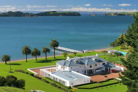 Inspiring property cowes bay estate waiheke island for Luxury homes for sale new zealand
