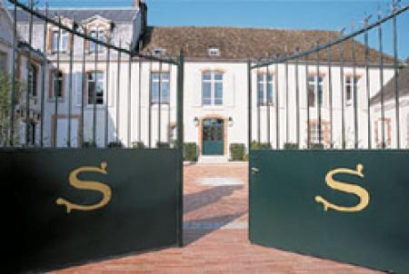 Chateau Salon